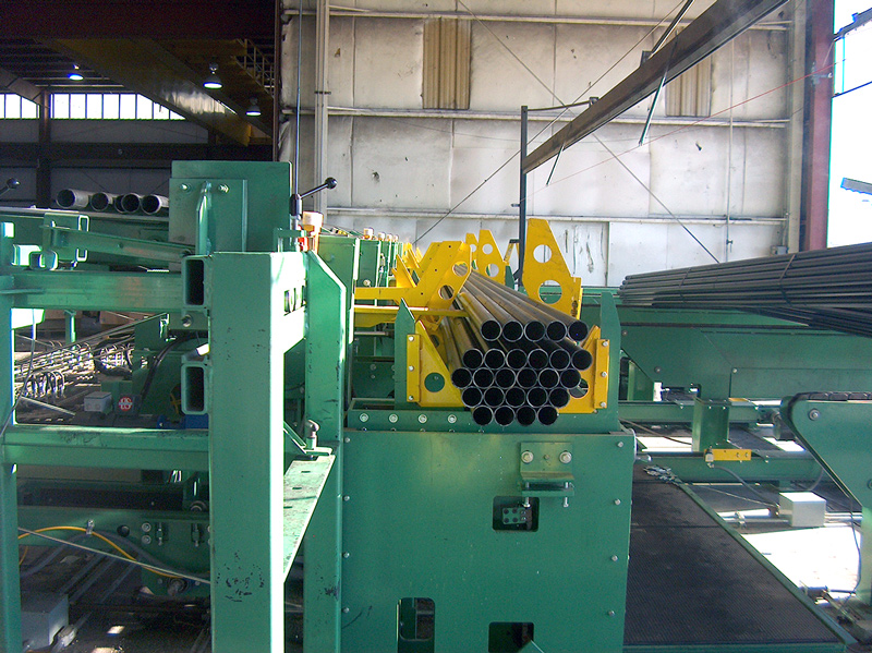 Conveyor and packaging system for steel sprinkler tube mill